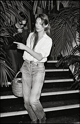 JANE-BIRKIN-STYLE-ICON-LEGEND-EFFORTLESS-FASHION-OVER-REASON